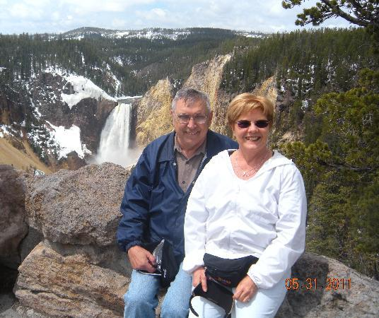 Robin's Nest Bed & Breakfast: Bob and Karol at the Lower Falls in Yellowstone National Park