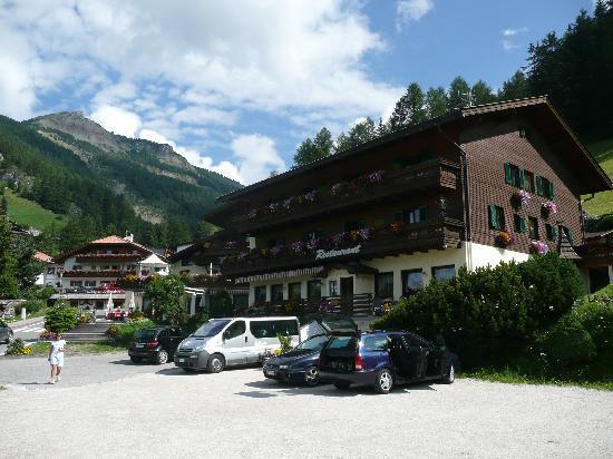 Romantic & Family Hotel Gardenia: Una vista dell'Hotel Gardenia
