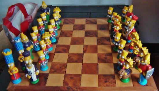 Amsterdam Escape: Chess table in the living room