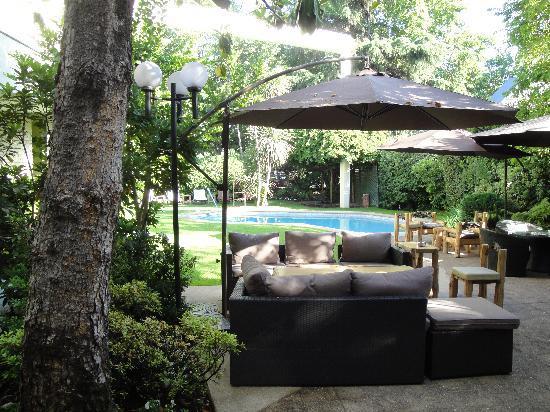 Hotel Bidasoa: Hotel Rio Bidasoa Courtyard