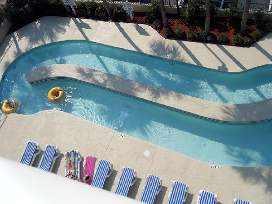 Carolina Winds: Part of the lazy river at the hotel