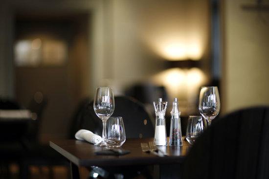Martha and Vincent's: Restaurant