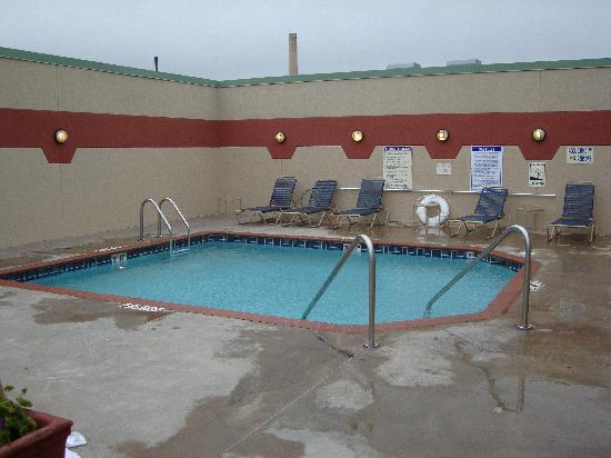 The Inn on Lake Superior: Outdoor pool