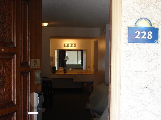 Days Inn Camarillo - Ventura: room
