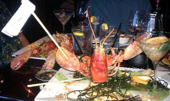 27 Fathoms Lobster Roll