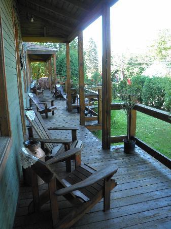 LaVielle Ecole - The Old School House: la belle terrasse