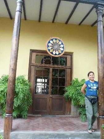 Hosteria San Roque : entrada de la casona