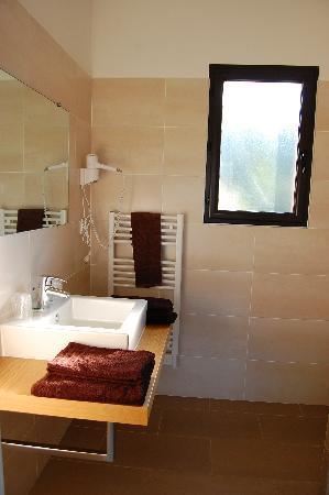 Hotel L'Alivu : la salle de bain