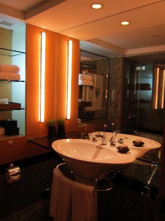 เดอะเวสติน โชซัน โซล: bathroom