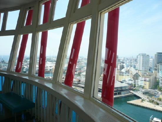 Kobe Port Tower: 海も山も見渡せます