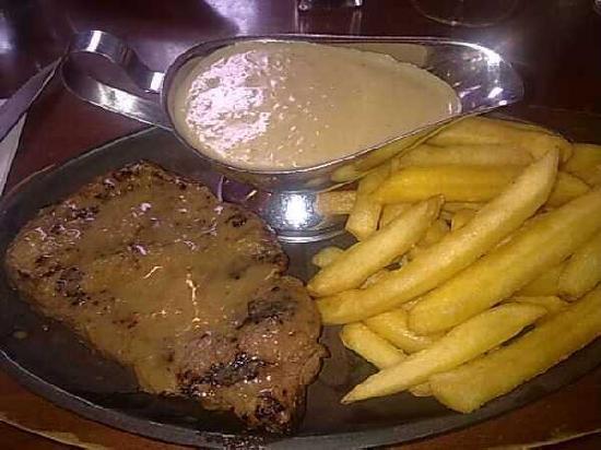Squires Loft Ballarat: Steak with Awesome (creamy garlic) Sauce