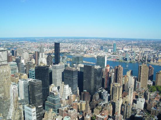 Broadway Hotel and Hostel: View from Empire State