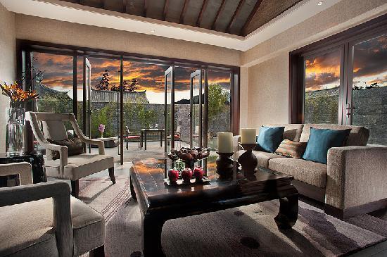 Pullman Lijiang Resort & Spa: Pullman Lijiang - Deluxe Villa 1-bedroom - Living Room