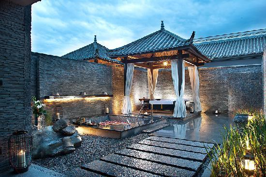 Pullman Lijiang Resort & Spa: Pullman Lijiang - deluxe spa treatment suite