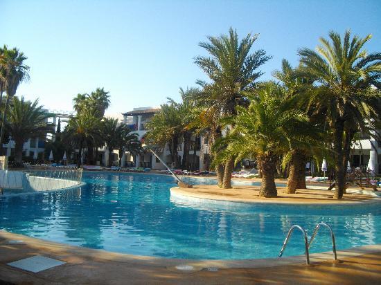Cala d'Or Gardens : vu piscine
