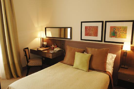 Hotel Royal-Riviera: Standard room