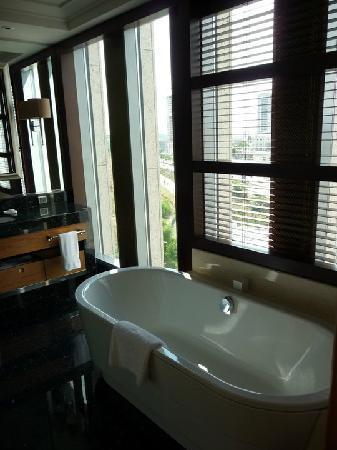 JW Marriott Hotel Ankara: Bathroom