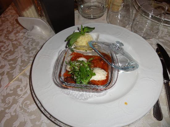Hotel Monika: coda di rospo in salsa di pomodorini secchi e olive taggiasche