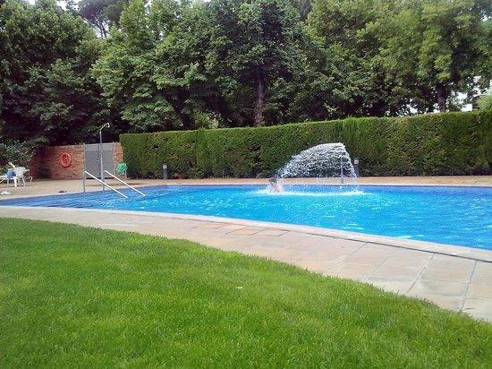 Hotel Balneari Termes Orion: zona de la piscina