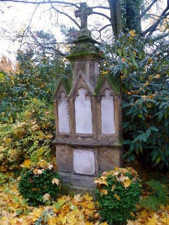 Melaten-Friedhof: Gruft auf Melaten