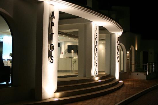 Ferrera Beach Apartments : Reception