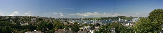 Highcliffe Contemporary Bed and Breakfast: Panoramic view from Penthouse Suite