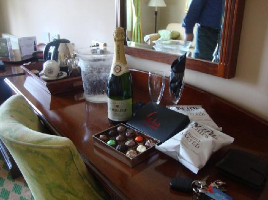 Huntingtower Hotel: Champagne & Chocolates