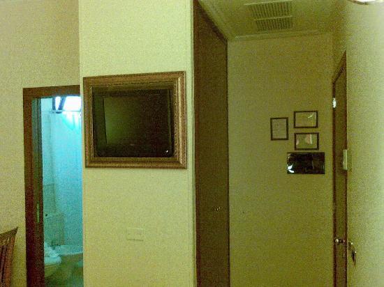 Hotel San Paolo: TV2