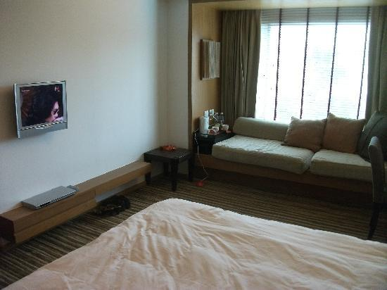 Dusit D2 Chiang Mai: Rooms and TV rather small