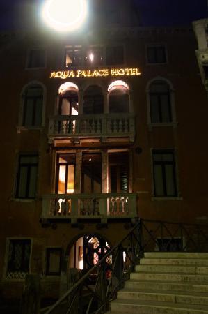 Aqua Palace Hotel: facade of the hotel.