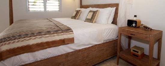 Cooper Island: King Size Beds in Guest Room