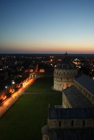 foto de Inside the cathedral Picture of Torre di Pisa Pisa