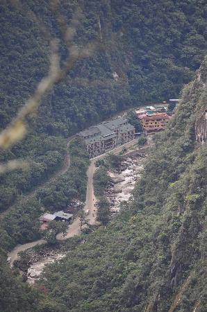 SUMAQ Machu Picchu Hotel: Hotel from the Inca Trail at Machu Picchu