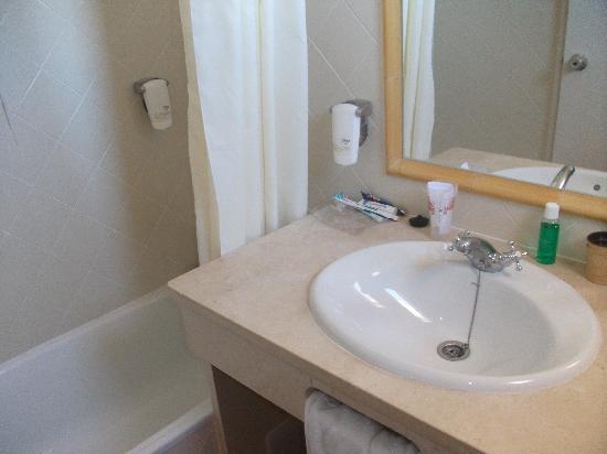 Albufeira Beach Hotel : Room 405