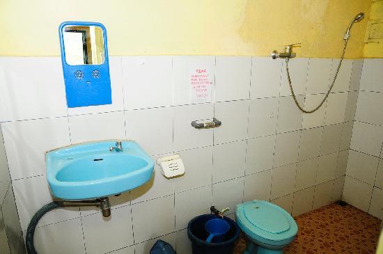 One Homestay: Bathroom