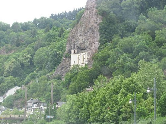 Idar-Oberstein, Jerman: enbedded in a rock