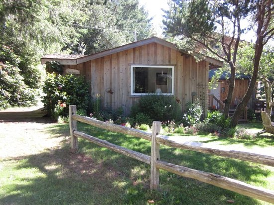 """Bailey's Cedar House B&B: The Cedar """"Cabin"""" rooms."""