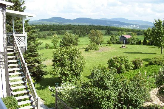 Notre Dame des Bois, Канада: View from behind the B&B