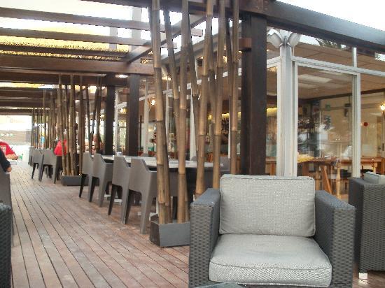 San Miguel Park & Esmeralda Mar Apartments: the beach bar, get vouchers from reception