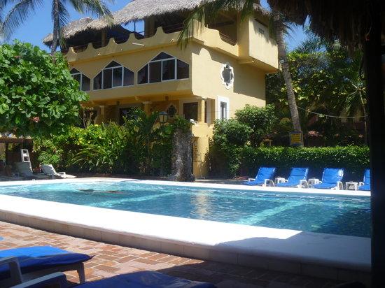 Beach Hotel Ines : pool area