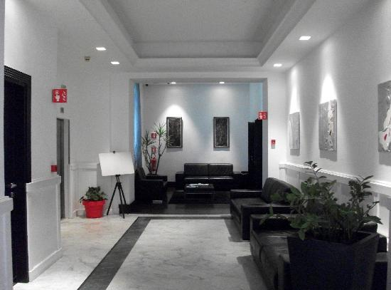 Excel Hotel Roma Montemario: Reception 2