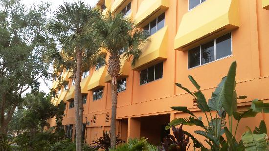 Coco Key Hotel and Water Park Resort: View of the tower rooms