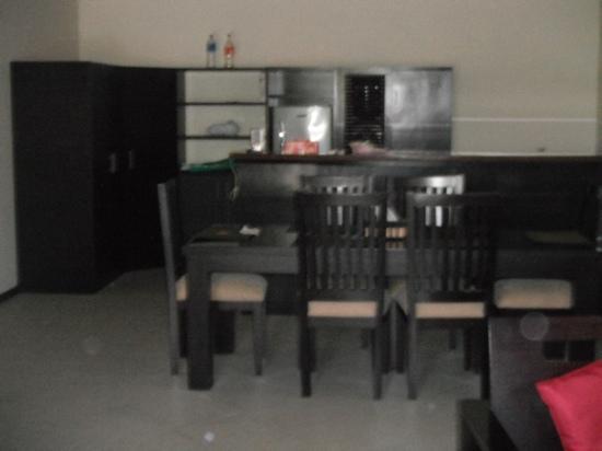 Xanadu Village Resort: kitchen and Dining room