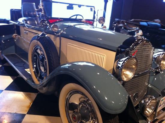 Union Station: 1929 Packard