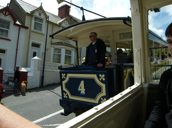 Great Orme Tramway: Trams passing