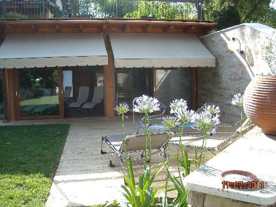 Hotel 2 Mari: l'imgresso esterno della piscina aqua dei