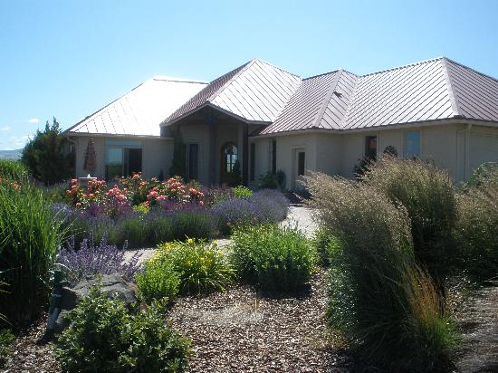 Girasol Vineyard & Inn: The Inn