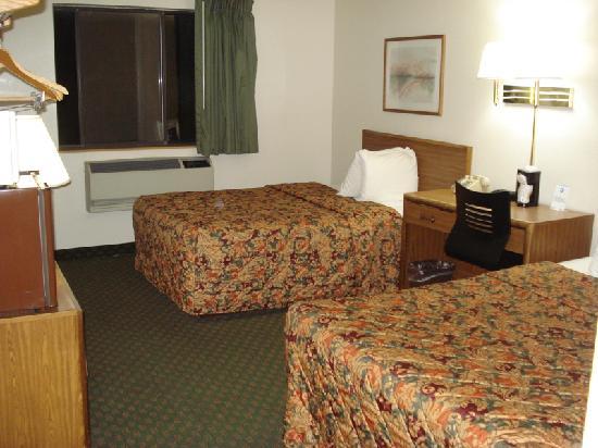 Super 8 Hagerstown: Room