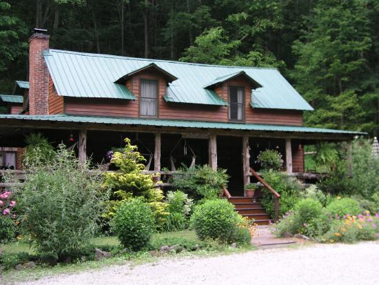 Butterfly Hollow - A Hidden Retreat: The beautiful home