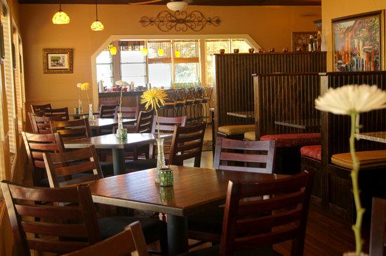 La Dolce Vita: Dining Room & Bar
